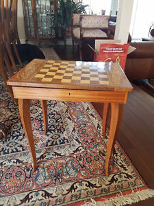 Italian Vintage Wood Marquetry Inlaid Music Box Chess Table
