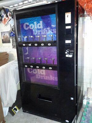 Vendo 721 Soda Canbottle Drink Vending Machine - Flat Front Live Display