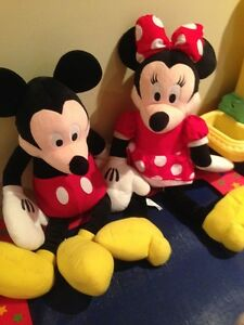 Mickey and Mini Mouse (20 inches)