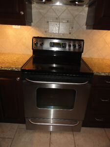 Oven range for Sale GE STAINLESS STEEL