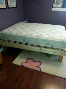 Quilted Top Mattress double C/W home made base