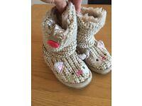 Next knitted kitten boots Girls size 7