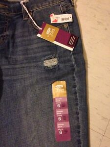 *NEW* old navy jeans size 6 Kingston Kingston Area image 2