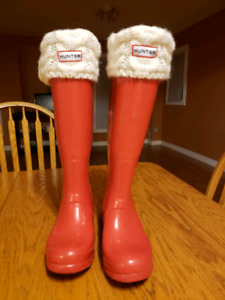 Red glossy hunter boots size 6