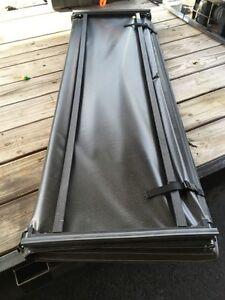 Ram 1500 soft trifold tonneau cover