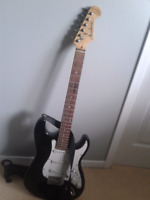 Electric Guitar in great condition for $75.00