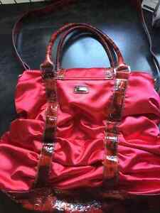 BABYPHAT red satin purse West Island Greater Montréal image 2
