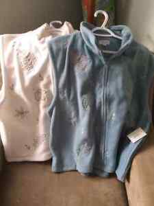 2- 2xl fleece vests (brand new with tags) Cambridge Kitchener Area image 1