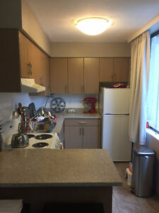 Newly renovated Bachelor/ Studio Downtown-West End Greater Vancouver Area image 5