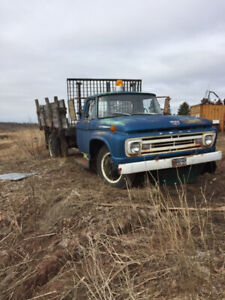 NEW PRICE !! 1962 Ford F500