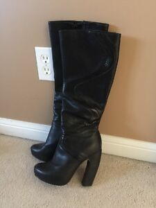 Black knee high boots  Cambridge Kitchener Area image 1