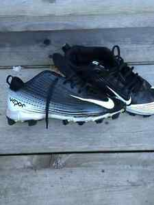 Nike Soccer Cleats - Size 7 Boys