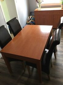 Table 4 chairs + Sideboard
