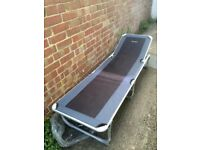 2 Stretcher beds / sun loungers