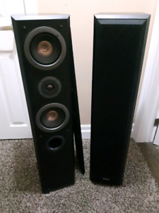 FOR SALE 2 Technics tower speakers