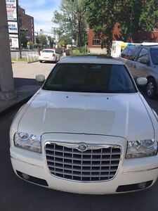Chrysler 300,Automatic,Sunroof.