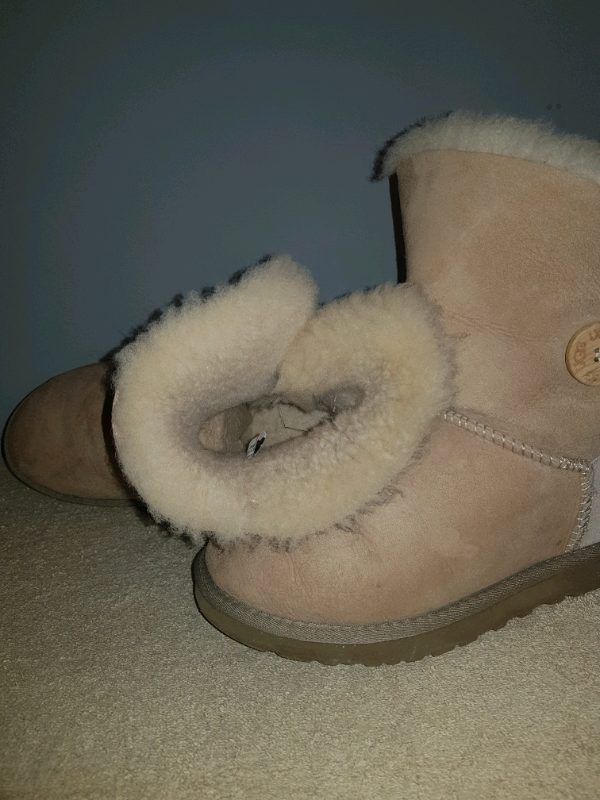 Genuine ugg boots bought in America excellent condition need gone asap | in Southside, Glasgow | Gumtree