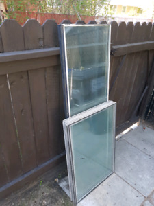 Widows (aluminium frames)