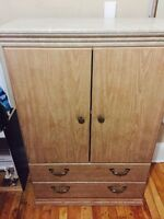 FREE DRESSER WITH MIRROR AND CUP BOARD