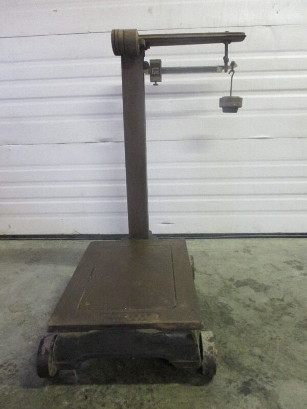 ANTIQUE FAIRBANKS PLATFORM SCALE WITH WEIGHTS 1000 lbs Capacity