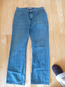 Men's Jeans size 31 x 32 Boot Cut Old Navy
