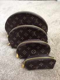 Louis Vuitton Makeup Bag, Coin Purse Set Monogram Canvas - CODE LV6