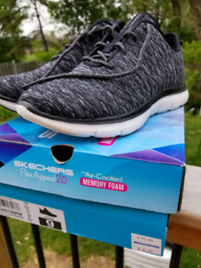 Shoes skechers NEW
