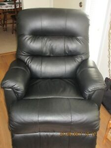 ***REDUCED*** anxious to sell - Palliser Black Leather Recliner