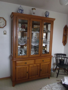 Oak Hutch / China cabinet