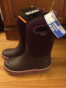 New Girls Bogs Boots Size 6 youth