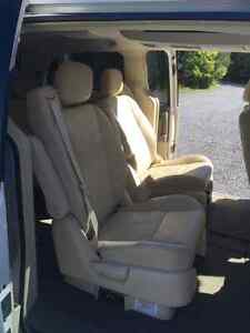 2008 Chrysler Town & Country Limited, Ideal for Young Family Peterborough Peterborough Area image 5