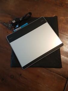 Wacom Intuos Pen and Touch Tablet  - CTH-480 - Illustration