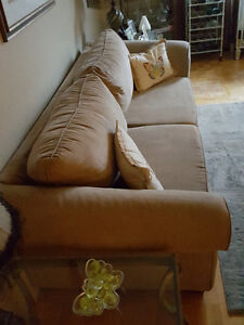Couch–Very comfortable with a soft luxurious feel Oakville / Halton Region Toronto (GTA) image 4