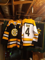 Sports Card and Memorabilia Show..Bobby Orr Jersey Giveaway