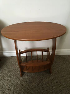 MAGAZINE TABLE OR SIDE TABLE...PRICE REDUCED TO $10