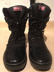 Women's Avalanche by Cougar Winter Boots Size 7 London Ontario image 5