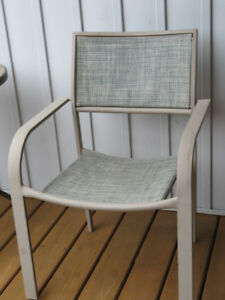LOOKING for (2) Mesh Swivel Patio Chairs