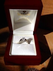 18KT White Gold Solitaire Engagement Ring Peterborough Peterborough Area image 3