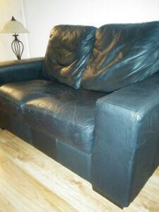 Causeuse et fauteuil cuir noir