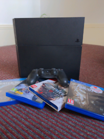PS4, including 1 pad & 4 games