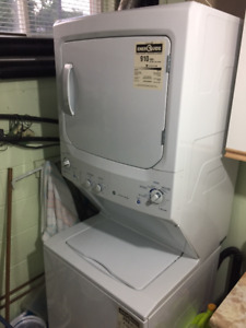 GE - Stacked Washer and Dryer