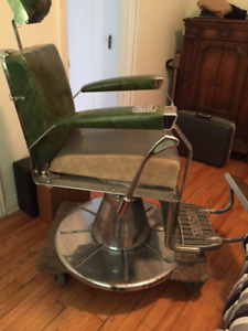 VINTAGE 1950' KOKEN BARBER CHAIR - EXCELLENT CONDITION