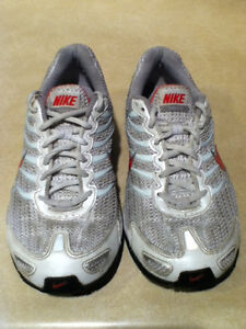 Women's Nike Air Max Torch 4 Running Shoes Size 8 London Ontario image 6