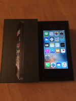 New condition Iphone 5 16 gig 9.5/10 on bell or virgin network,