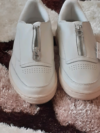 Womens rebok trainers size 5