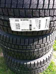 New Dunlop winter tires 255/45R18 West Island Greater Montréal image 1