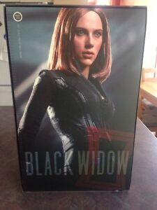 HOT TOYS BLACK WIDOW 1/6 SCALE
