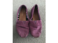Toms women shoe 7 sizes