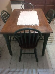 Country Kitchen Table and 4 chairs