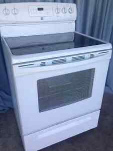 """FREE Delivery 30"""" Glass top  Stove in excellent Condition,"""